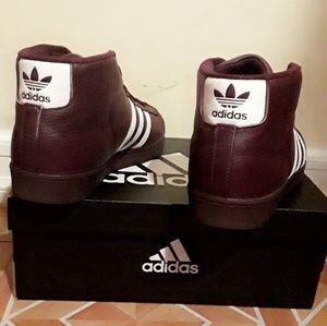 adidas Shoes - Authentic Adidas Pro Model Shoes